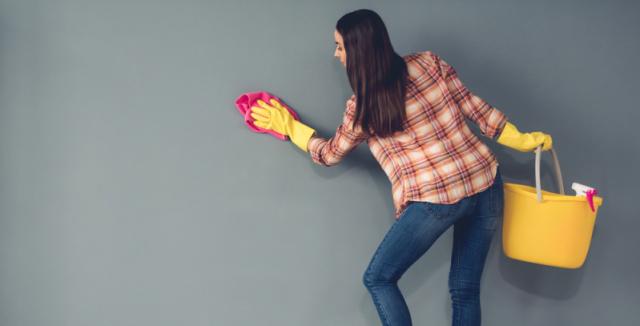 Jak odstranit olej ze zdi